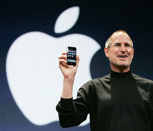 Steve Jobs en una de sus presentaciones con Apple