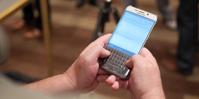 Gizlogic_Funda-QWERTY-Samsung