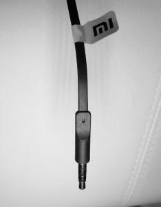 El cable plano ya es un habitual en muchos auriculares y los Piston Colorful Edition no son una excepción.