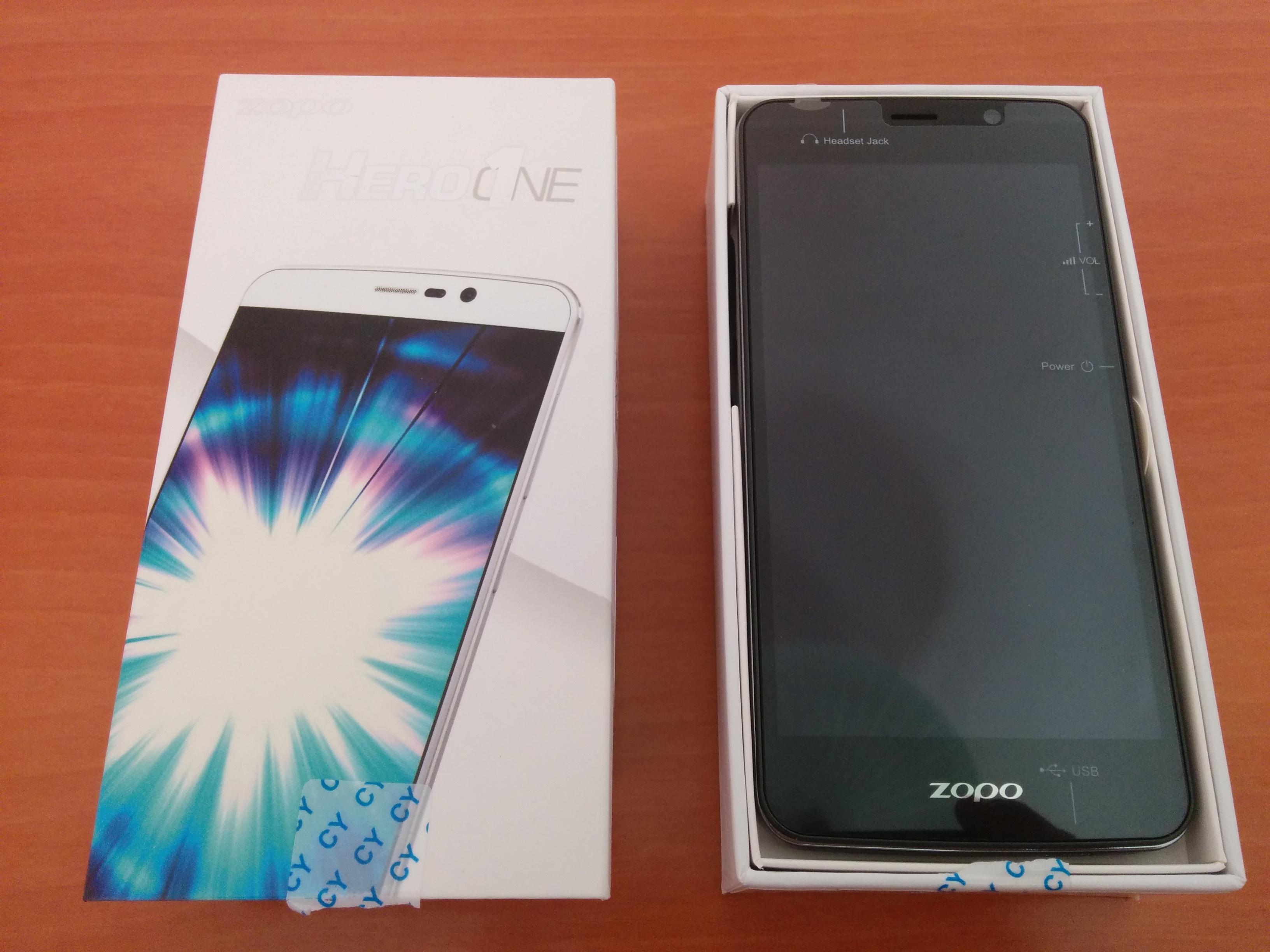 La caja del Zopo Hero 1 tiene el tamaño del smartphone.