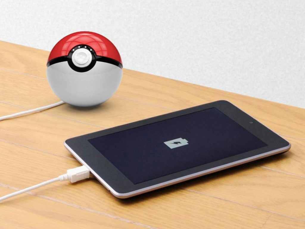 powerbank pokeball