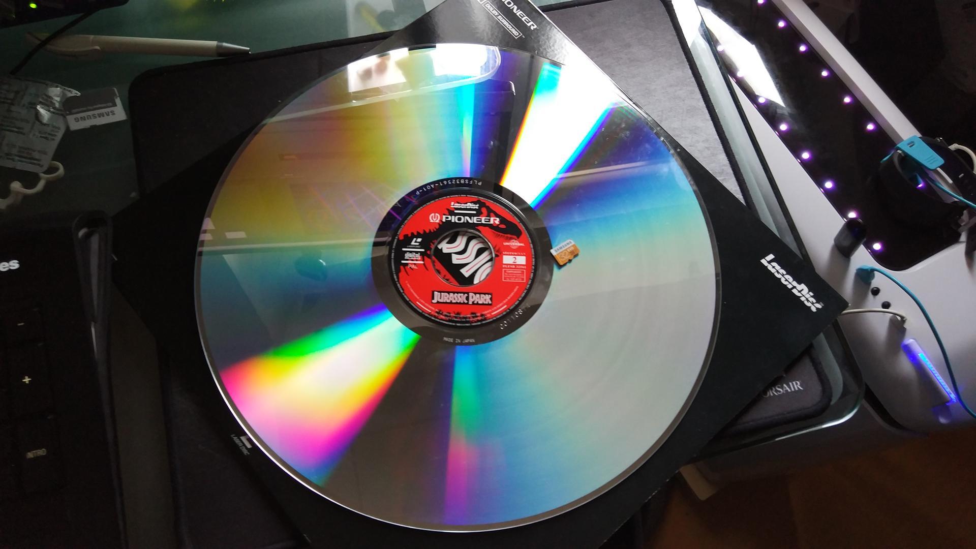 laserDisc vs MicroSD