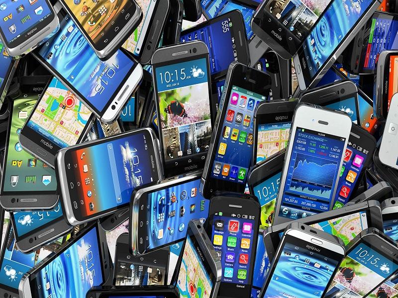 Cambian de móvil más de una vez al año