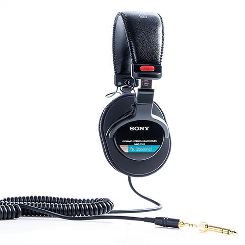 Sony MDR-7506 Los laterales se encuentra bien identificados