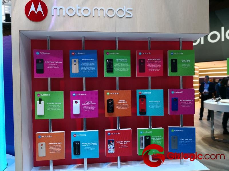 MWC18: Lenovo nos enseña sus nuevos Moto Mods para smartphones Motorola