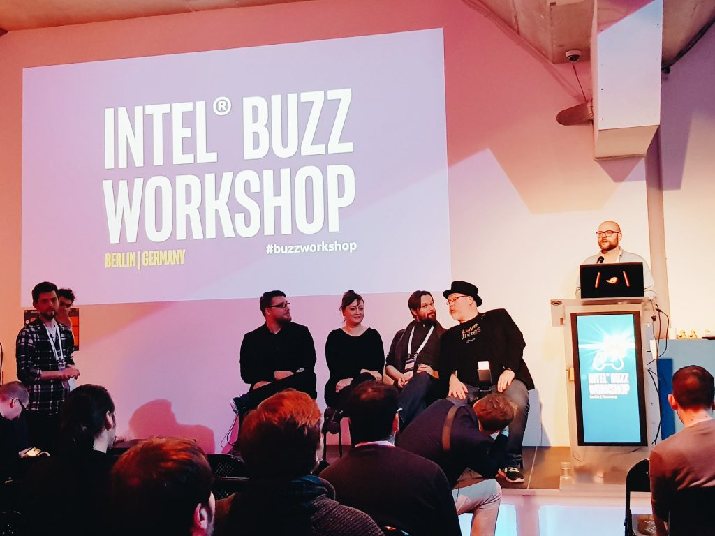 Intel® Buzz Workshop Panel interactivo