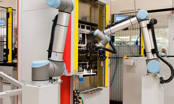 Brazos robóticos coordinados en continental. No dejan de ser robots.