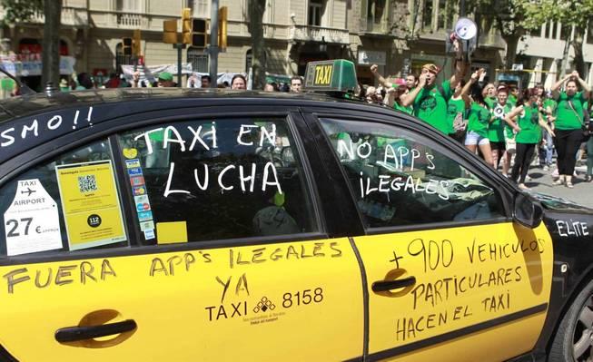Los taxistas se oponen firmemente a los VTC y plataformas como Uber y Cabify