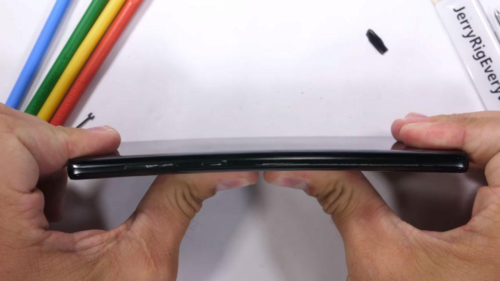 Samsung Galaxy Note 9 - Pruebas de durabilidad por JerryRigEverything 6