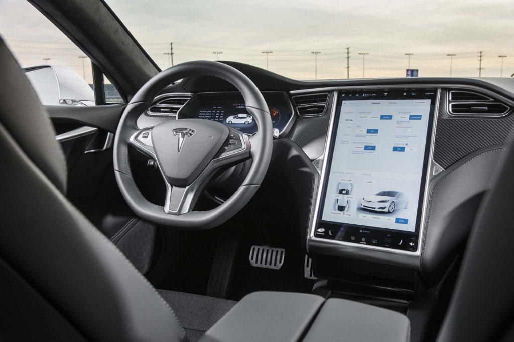 Tesla Model S - Pantalla del vehículo