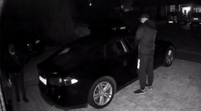 Tesla Model S Robado