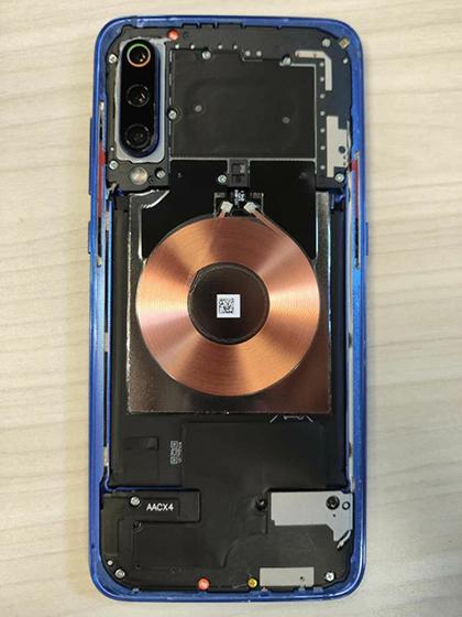 Xiaomi Mi 9 - parte trasera al descubierto