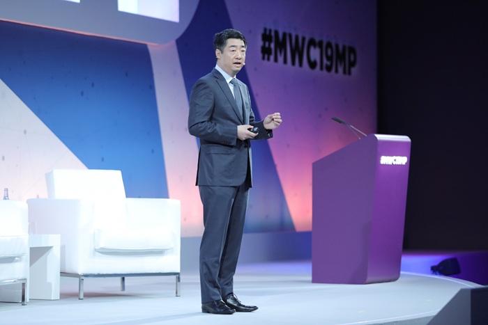 Ken Hu, vicepresidente de Huawei, en su discurso Redefiniendo la Incursión Digital en MWC 2019 - Tech4ALL
