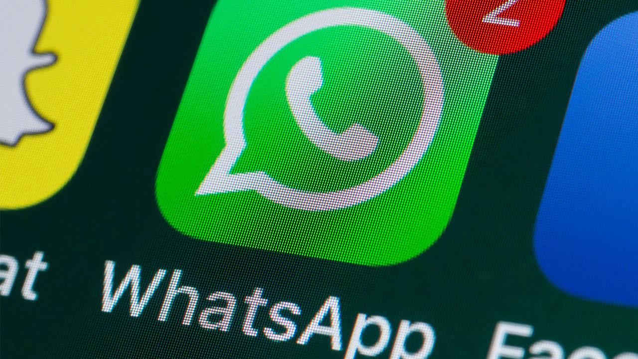 Novedades de la beta de WhatsApp historias de Facebook y código QR