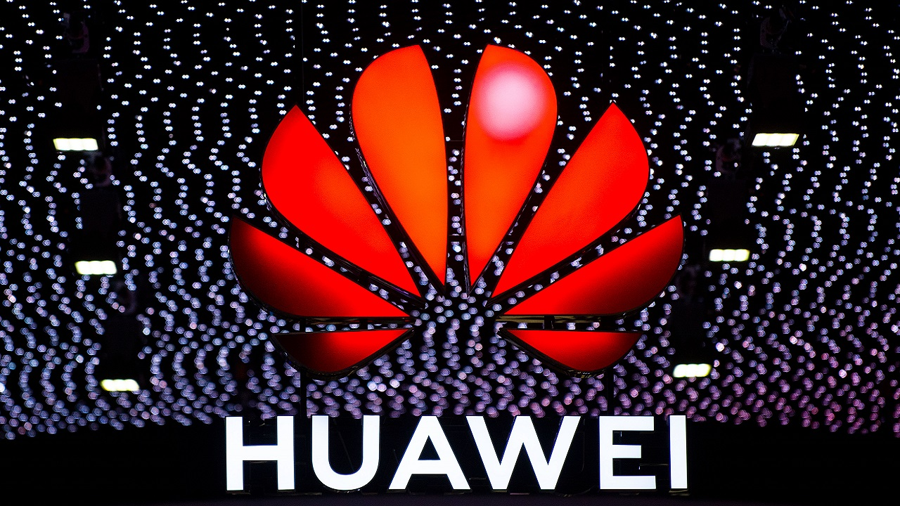 Huawei ya puede negociar con empresas americanas, dice Donald Trump