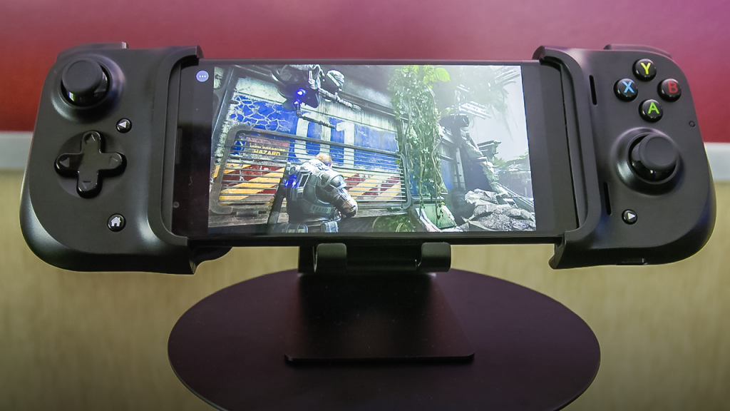 Razer Kishi - Gears 5 mediante GeForce Now - Imagen vía Engadget