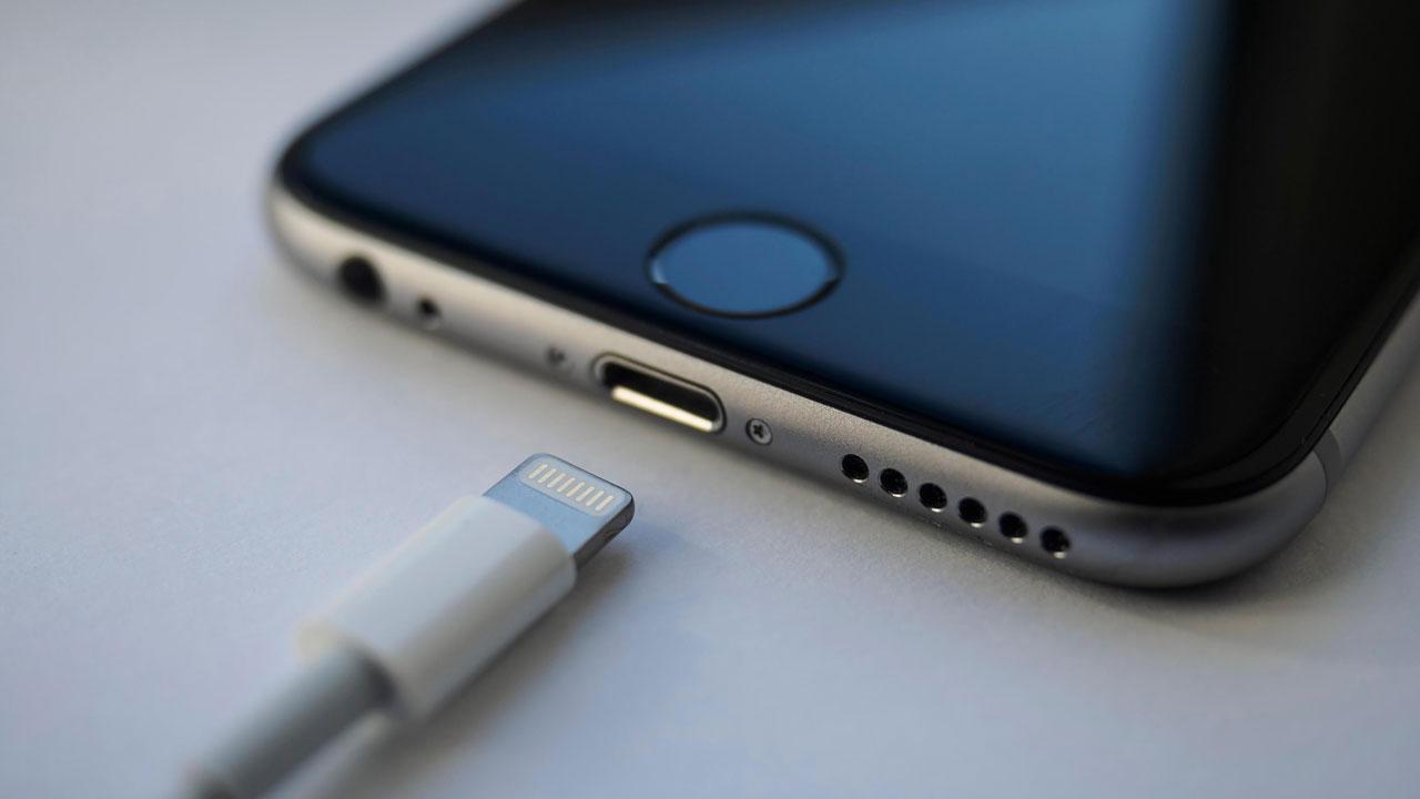 Según Apple, las regulación de la UE de cargadores móviles solo dañará a los consumidores