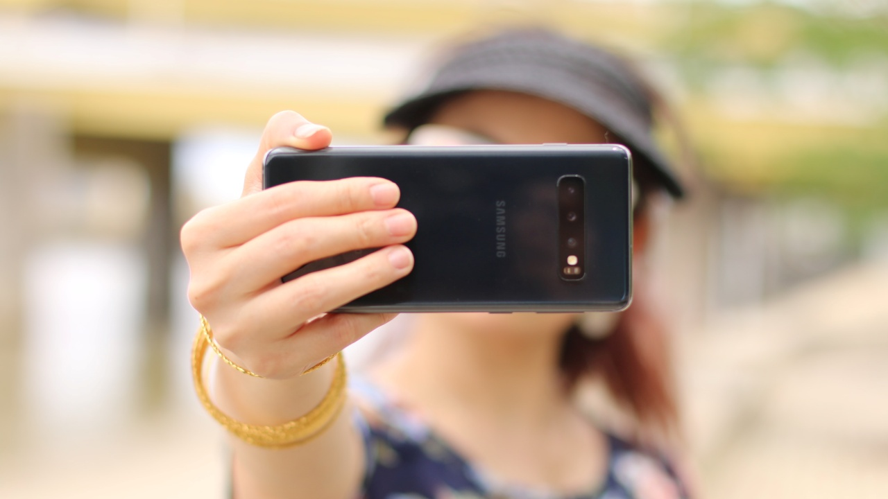 Hacer mejores selfies mujer portada