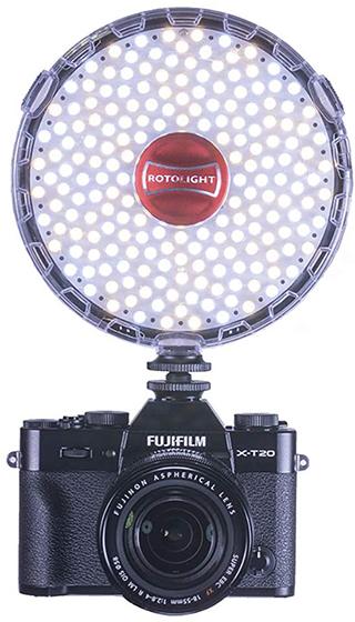 Rotolight Neo 2 sobre una cámara