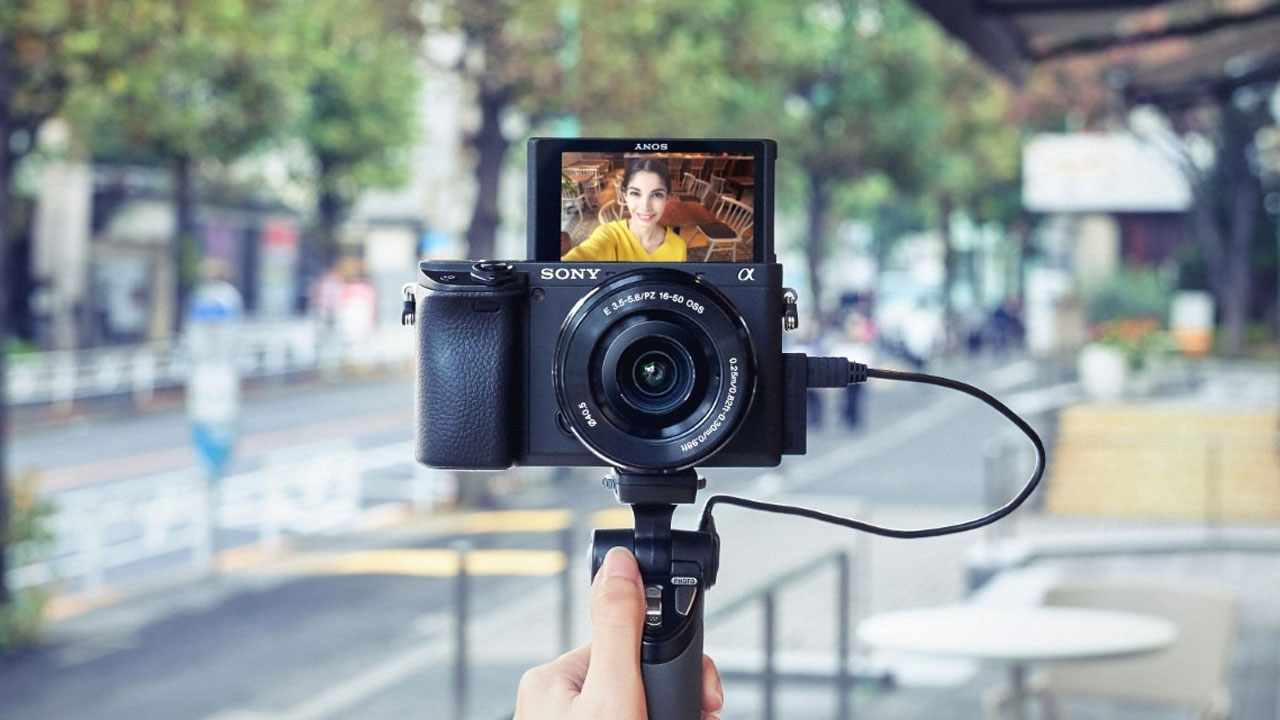 Sony Alpha 6400, la cámara perfecta para vloggers profesionales