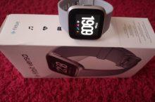 Fitbit Versa: así es el wearable de Fitbit con mejor relación calidad precio