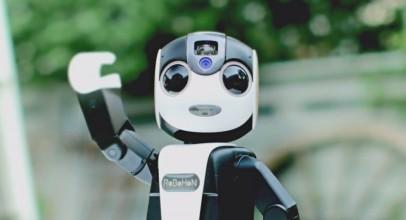 RoBoHon que es mitad robot, mitad smartphone