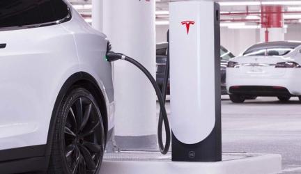Los nuevos Tesla se cargarán en 15 minutos gracias al SuperCharger V3