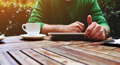 Leer en dispositivos móviles aumenta los problema de visión